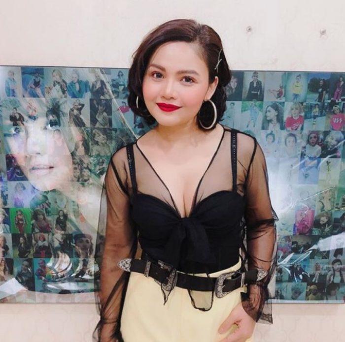 ตั๊กแตน ชลดา' โดนวิจารณ์ หลังใส่ชุดนี้ขึ้นคอนเสิร์ต - The Bangkok Insight