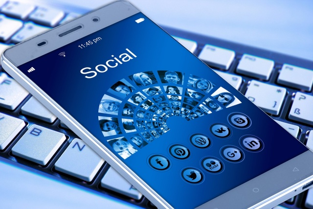 mobile phone 1917737 1280 1