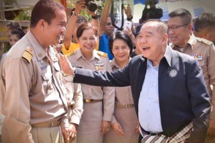 รูปข่าว ต้อนรับหัวหน้าใหม่!! 'พลังประชารัฐ' ปล่อยเพลง 'ทำเพื่อเธอ เพื่อประเทศไทย'