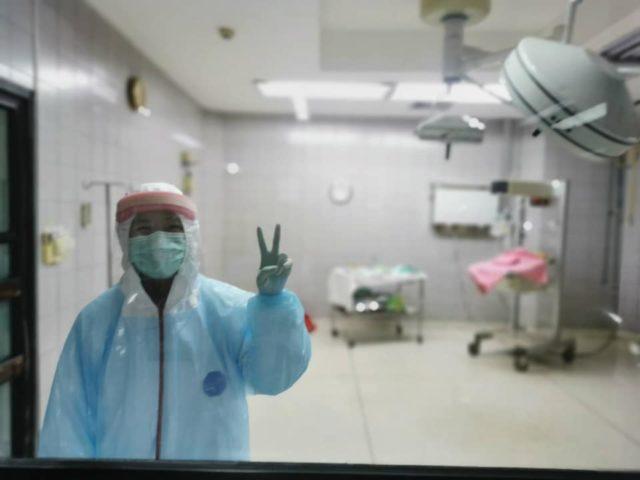 หมอ ทำคลอด โควิด-19