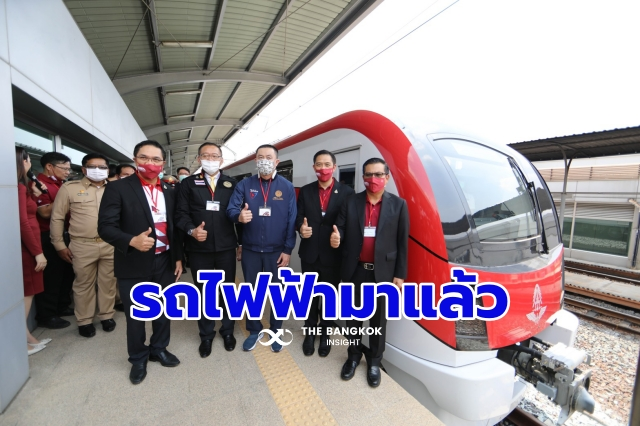 รถไฟฟ้าสายสีแดง ขึ้นฟรี 54ds6f