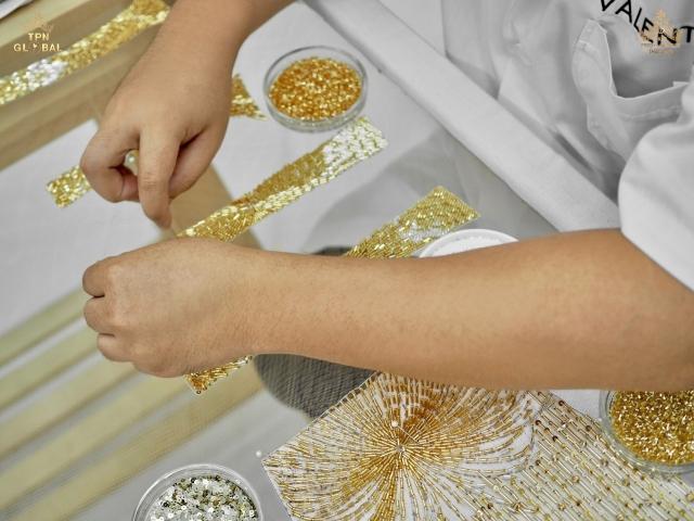 4 ชุดราตรีสีทอง อแมนด้า 15