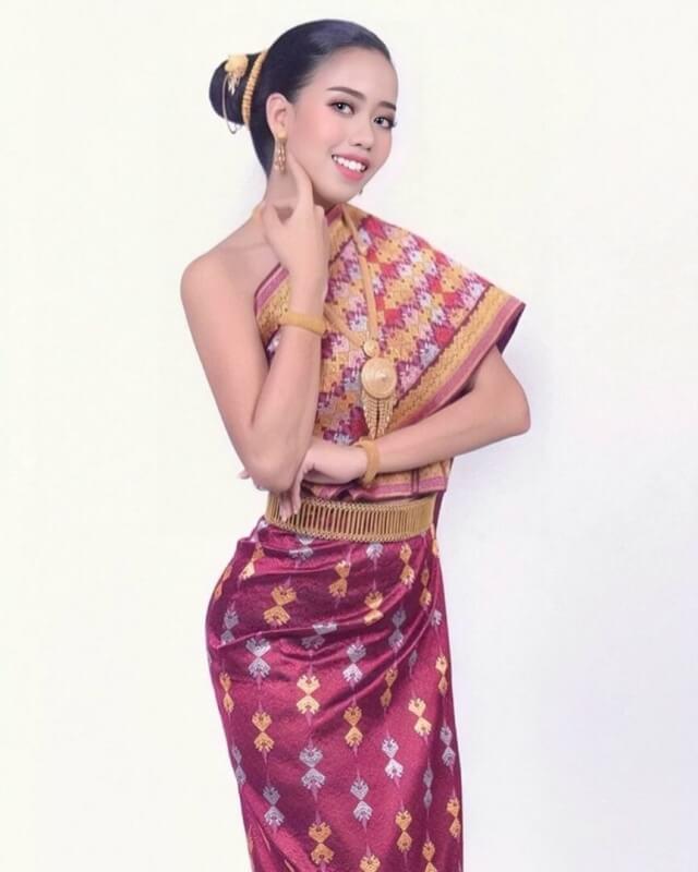 15 ตุ๊ก The Wow Laos8
