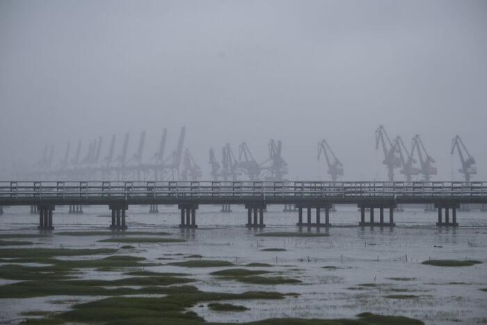 (新华全媒)(1)台风烟花在浙江平湖再次登陆 01