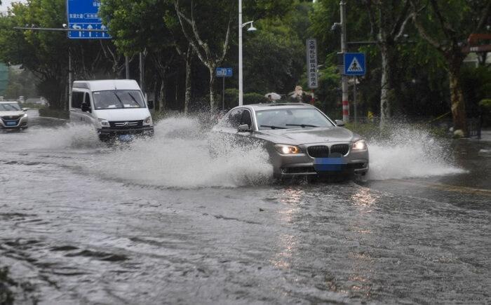 (新华全媒)(4)台风烟花在浙江平湖再次登陆 01