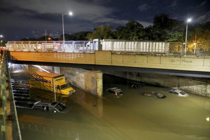 (国际)(5)飓风艾达引发暴雨洪水 纽约州进入紧急状态 01