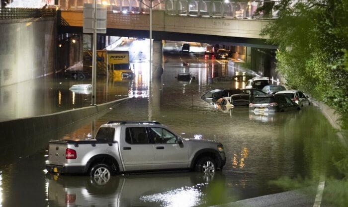 (新华视界)(6)飓风艾达引发暴雨洪水 纽约州进入紧急状态 01